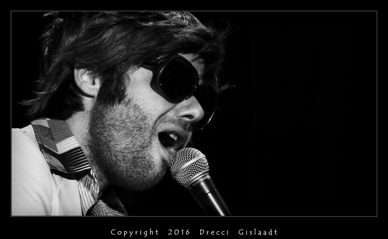 Mike Starnight - 001