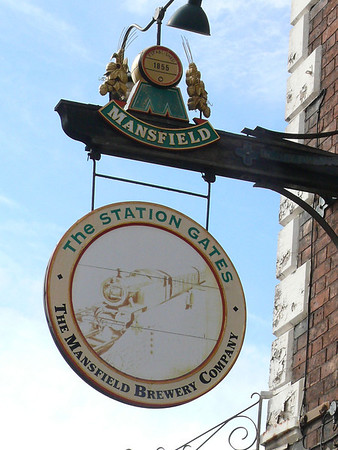 Pub Sign - The Station Gates, Spalding 110910