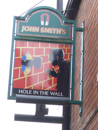 Pub Sign - Hole in the Wall, St Francis Street, Spalding 110910