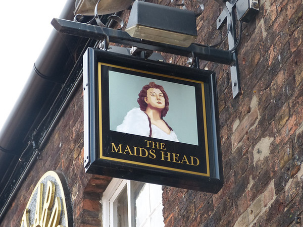 Pub Sign - The Maids Head, Tuesday Market Square, Kings Lynn 130825