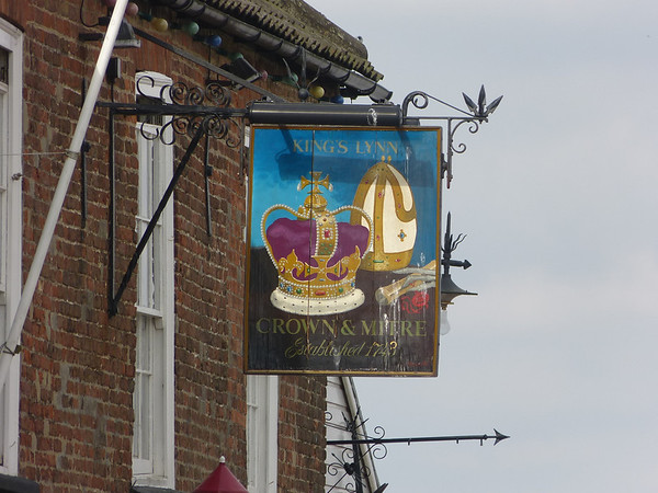 Pub Sign - Crown & Mitre, Ferry Street, Kings Lynn 130827