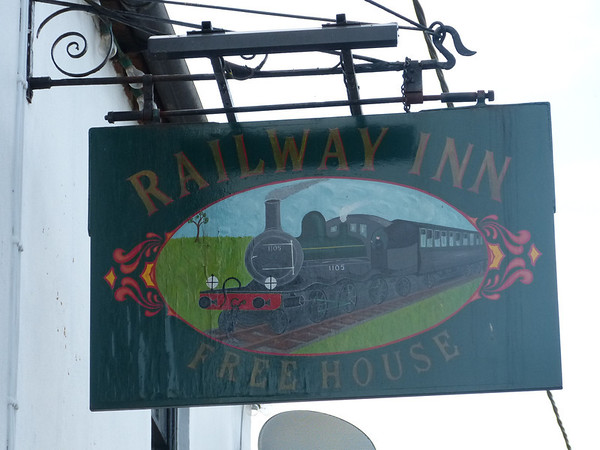 Pub Sign - Railway Inn, Station Road, Docking 130819