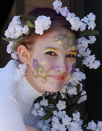 Victoria Green, 11, portrays the fairy Peaseblossom in the Summer Youth Players production of A Midsummer Night's Dream at the Audi.<br /> August 1, 2009<br /> staff photo/David Jennings