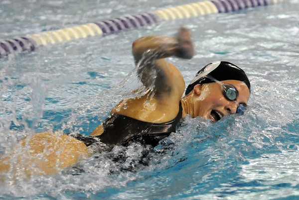 BHFVSWIM<br /> Fairview's Elizabeth Anderson swims the 500 freestyle during a Boulder High vs. Fairview swim meet on Thursday.<br /> Photo by Marty Caivano/Camera/Jan. 7, 2010