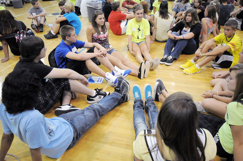 Blue Crew leaders and freshman get acquainted during orientation at Broomfield High School on Monday.<br /> <br /> August 15, 2011<br /> staff photo/ David R. Jennings