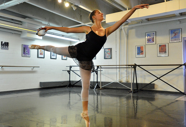 Tess Victoria performs her solo dance while  rehearsing for Danse Etoile Ballet's season opening production, Celebrate Dance and Music.<br /> August 17, 2012<br /> staff photo/ David R. Jennings