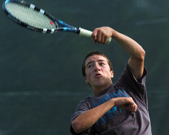 Matt DePinto, Broomfield High returns the ball during the #3 singles match against Cherry Creek at the Broomfield Swim and Tennis Club on Wednesday.<br /> Sept. 16, 2009<br /> Staff photo/David R. Jennings