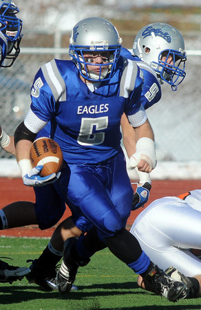 Dan Guebelle, Broomfield, runs downfield during Saturday's game against Greeley Central at Elizabeth Kennedy Stadium. <br /> October 31, 2009<br /> Staff photo/David R. Jennings