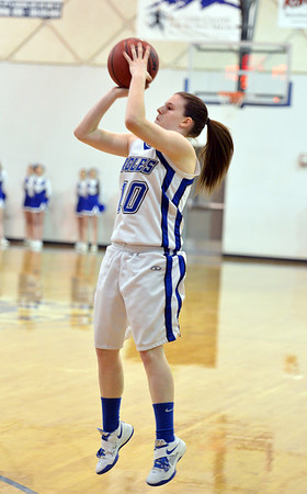 Broomfield's Bri Wilbur shoots the ball against Thompson Valley during Friday's game at Broomfield.<br /> January 18, 2013<br /> staff photo/ David R. Jennings