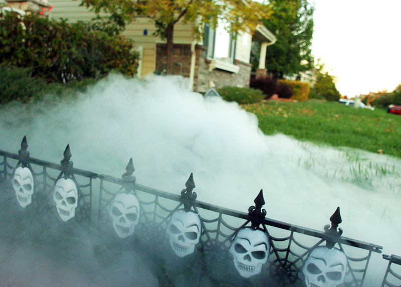 Craftsman Way neighborhood had a fog machine create eerie effects for a Halloween display on Thursday<br /> <br /> October 21, 2010<br /> staff photo/David R. Jennings