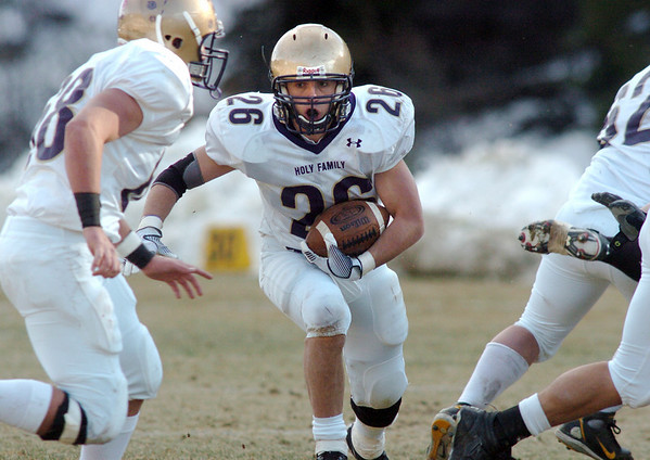 Holy Family's Anthony Pugliese advances the ball against Platte Canyon during Saturday's game at Platte Canyon High.<br /> November 21, 2009<br /> Staff photo/David R. Jennings