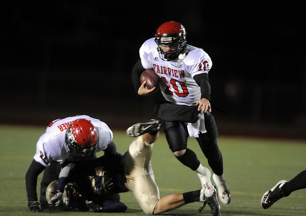 Fairview's Ben Schumacher runs downfield against Legacy during Friday's game at 5 Star Stadium in Thornton.<br /> <br /> October 9, 2009<br /> Staff photo/David R. Jennings