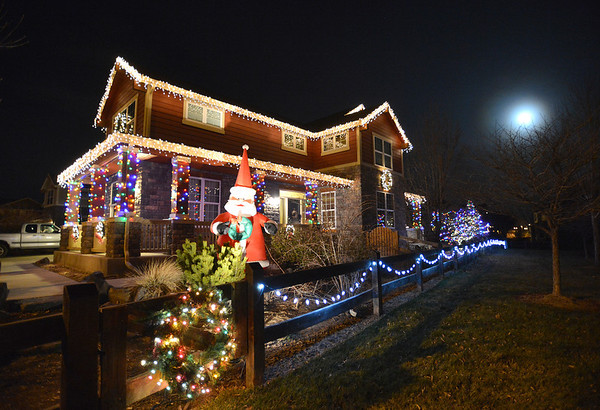 Holiday lighting display at 14044 Park Cove Dr.  in Broomfield.<br /> December 6, 2012<br /> staff photo/ David R. Jennings
