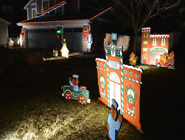 The holiday lighting display at 1442 Loch Lomond Ave. in Broomfield.<br /> December 6, 2012<br /> staff photo/ David R. Jennings