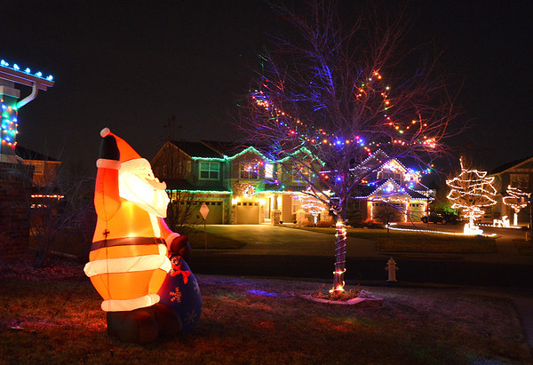 Holiday lighting displays at Star Creek Dr. and Riverview Dr. in Broomfield.<br /> December 6, 2012<br /> staff photo/ David R. Jennings
