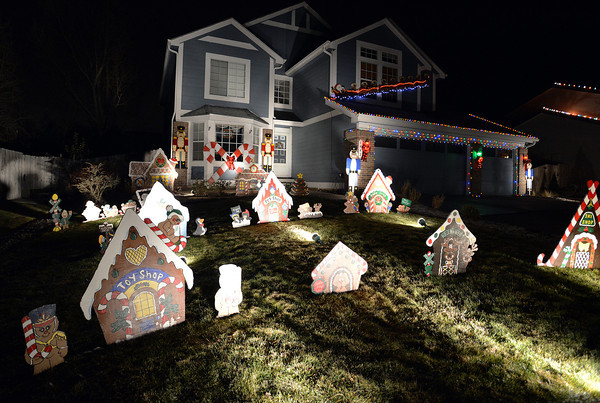 The holiday lighting display at 1442 Loch Lomond Ave. in Broomfield.<br /> December 6, 2012<br /> staff photo/ David R. Jennings