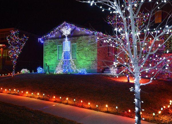 Holiday lighting display at 3125 Traver Drive in Broomfield.<br /> December 6, 2012<br /> staff photo/ David R. Jennings