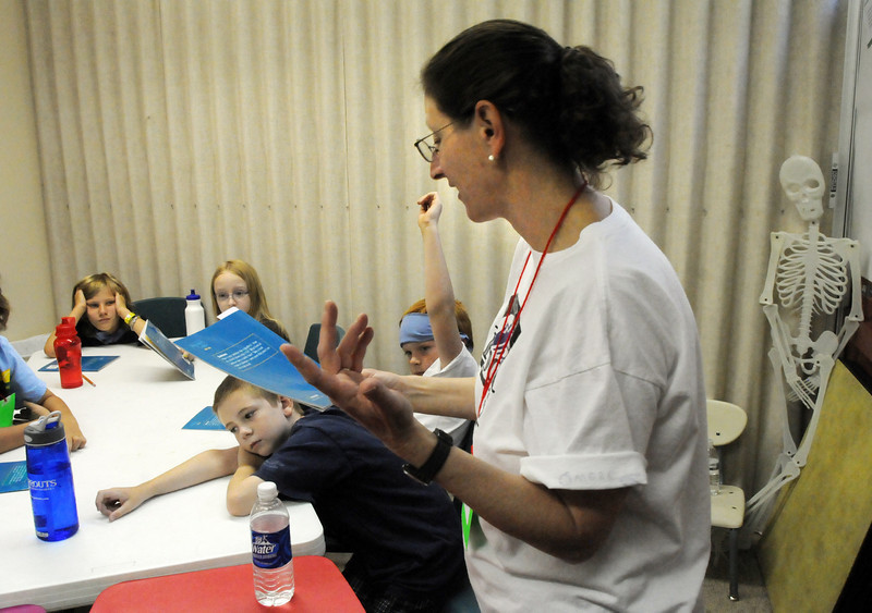 Myra Harris teaches a class during Wednesday's Jump Start Literacy Camp at Presbyterian Church of Broomfield.<br /> July 21, 2010<br /> Staff photo/ David R. Jennings
