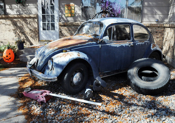 "An old Volkswagon is ""haunted' at 1385 Abiline Dr. for Halloween.<br /> <br /> October 22, 2009<br /> Staff photo/David R. Jennings"