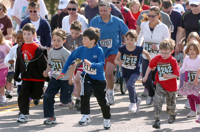 The start of the children's run of  the Race4Kids' Health run at Broomfield County Commons Park on Sunday.<br /> <br /> April 11, 2010<br /> Staff photo/David R. Jennings