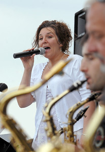 Vocalist Suzanne Morrison sings with the Metropolitan Jazz Orchestra during Sunday's Summer Sundays Finale Carnival and Concert for the Broomfield Council on the Arts and Humanities at the Brunner House.  August 9, 2009 staff photo/David R. Jennings