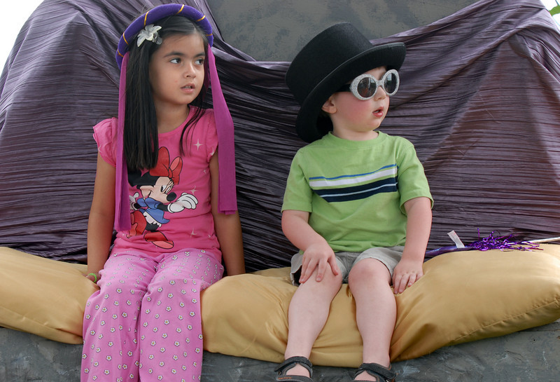 Lujane Yacoub, 5, left, and Jonah Wilcox, 2 1/2, are the king and queen in an improvisational play at the Backstory Theater Academy booth during the Broomfield Council on the Arts and Humanities Summer Sundays at the Brunner <br /> Farmhouse.<br /> <br /> July 11, 2010<br /> Staff photo/ David R. Jennings