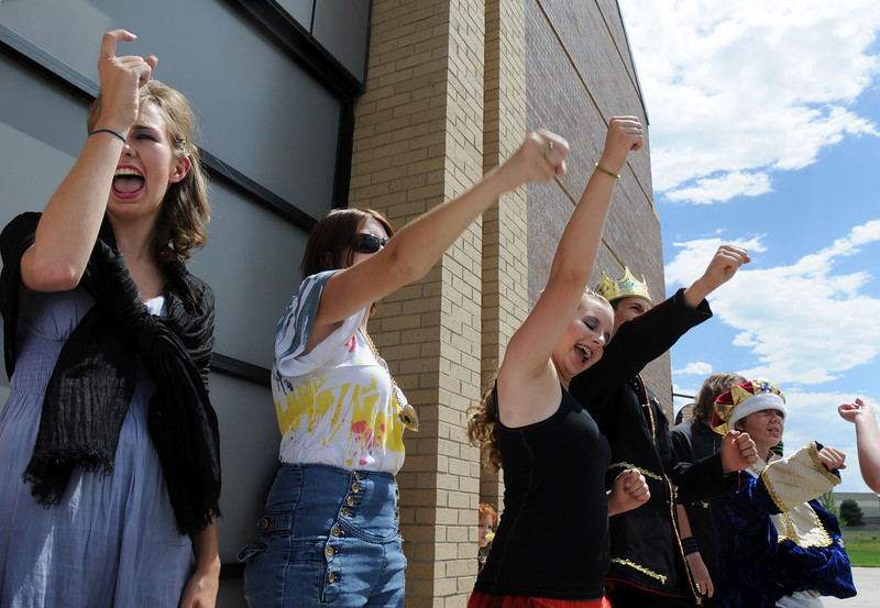 The Summer Youth Players cast do a cheer during warm up before their performance of The Princess and the Pea at the Audi.<br /> July 17, 2010<br /> Staff photo/ David R. Jennings