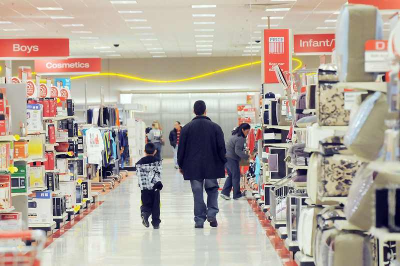 Customers of the Broomfield Target store shop on Saturday, the last day the store will be open.<br /> January 26, 2012<br /> staff photo/ David R. Jennings