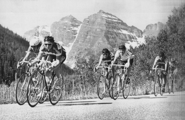 Aspen, Colo - The womensroad race headed downhill in front of the Maroon Bells outside Aspen Saturday morning August 16, 1986. The stage of the Coors Classic was won by french racer Jeannie Longo. Karl Gehring, The Denver Post