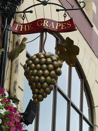 Pub Sign - The Grapes, George Street, Oxford 110720