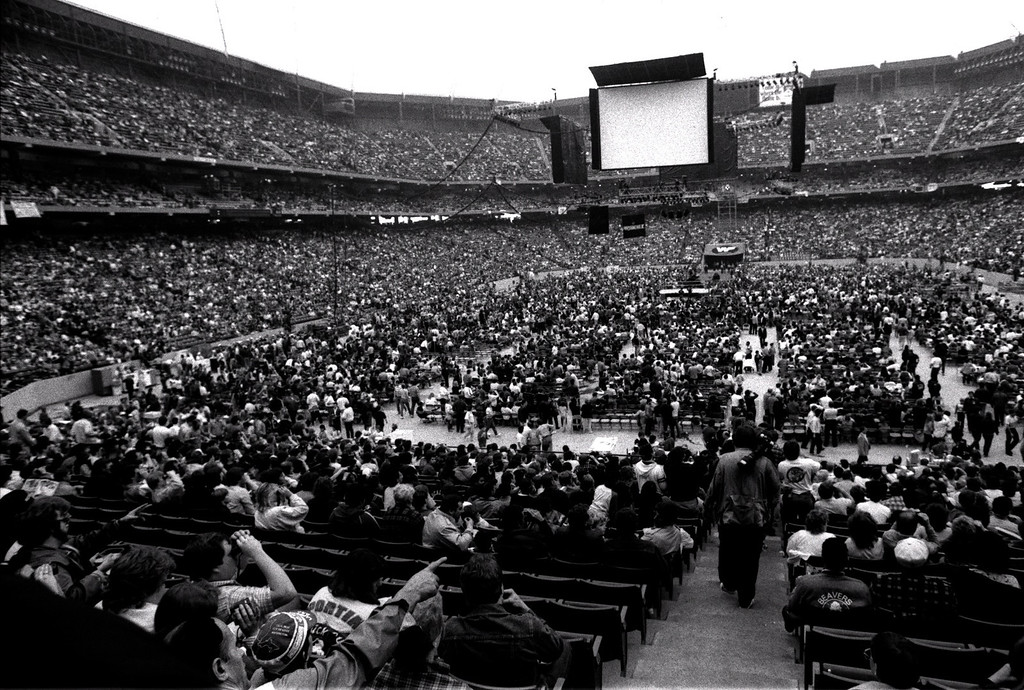 . FILE PHOTO -- Wrestlemania III at the Pontiac Silverdome. Word has it that it drew more people than the Pope\'s visit.  Photo taken 3-29-87.