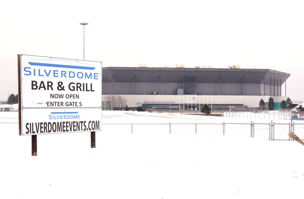 . The Pontiac Silverdome, with it\'s roof deflated for scheduled repairs.   Thursday, January 3, 2013.   The Oakland Press/TIM THOMPSON
