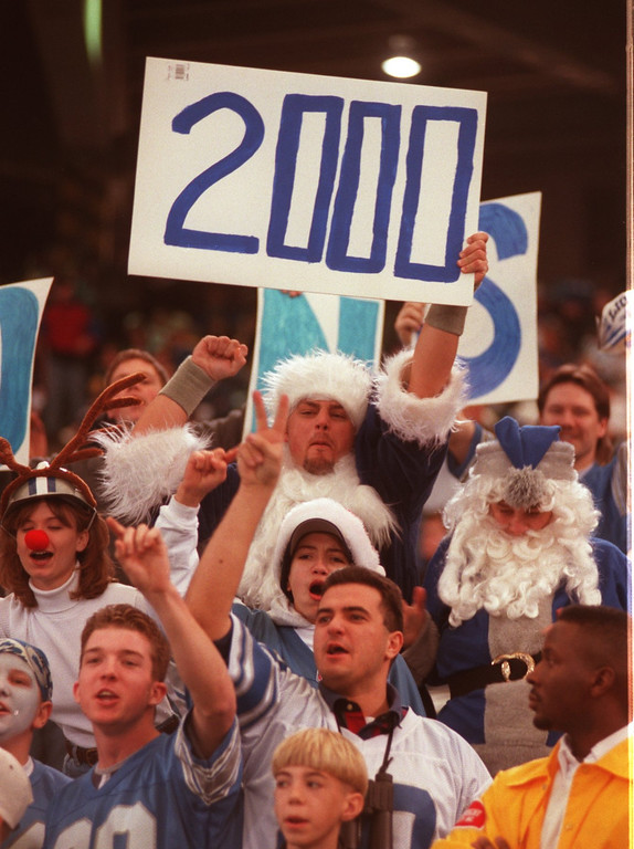 . Fans hoping that Barry Sanders will become the 3rd player in the NFL to rush for 2000 yards in a single season. The Lions were playing the New York Jets at the Pontiac Silverdome.