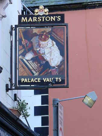 Pub Sign - Palace Vaults, St Helen's Road, Caernarfon 101119