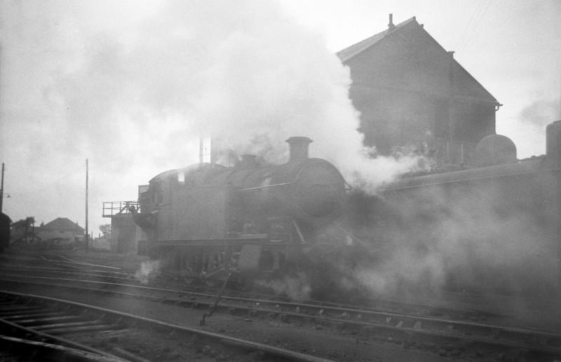 5200, Duffryn Yard Shed, Port Talbot, August 31, 1963.