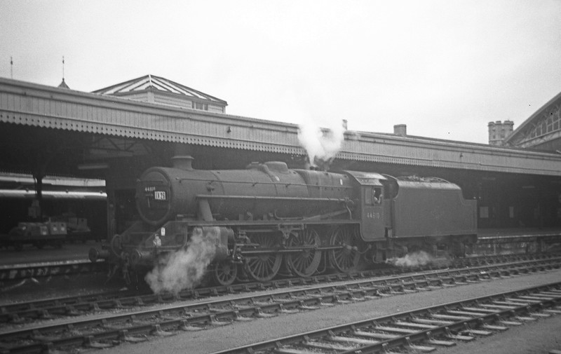 44810, backing west through Bristol Temple Meads, August 31, 1963.