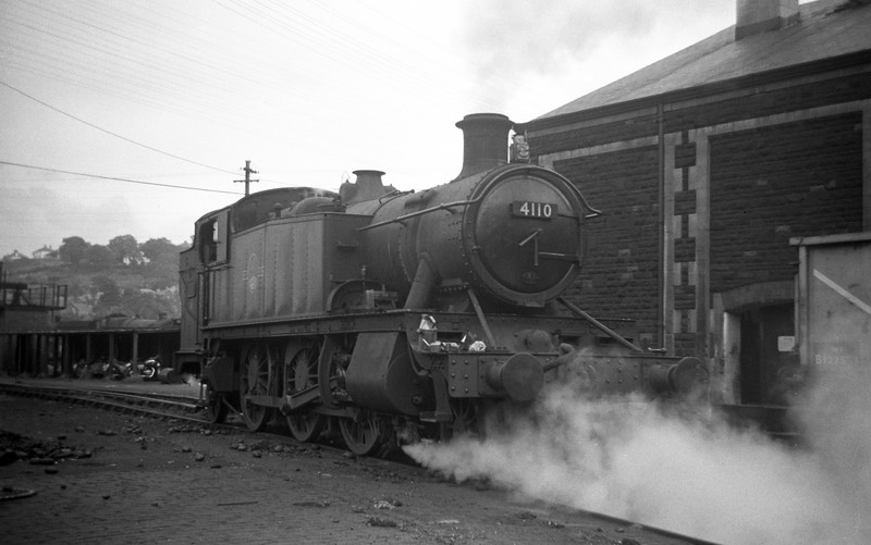 4110, backing off Neath Court Sart Shed, August 31, 1963.