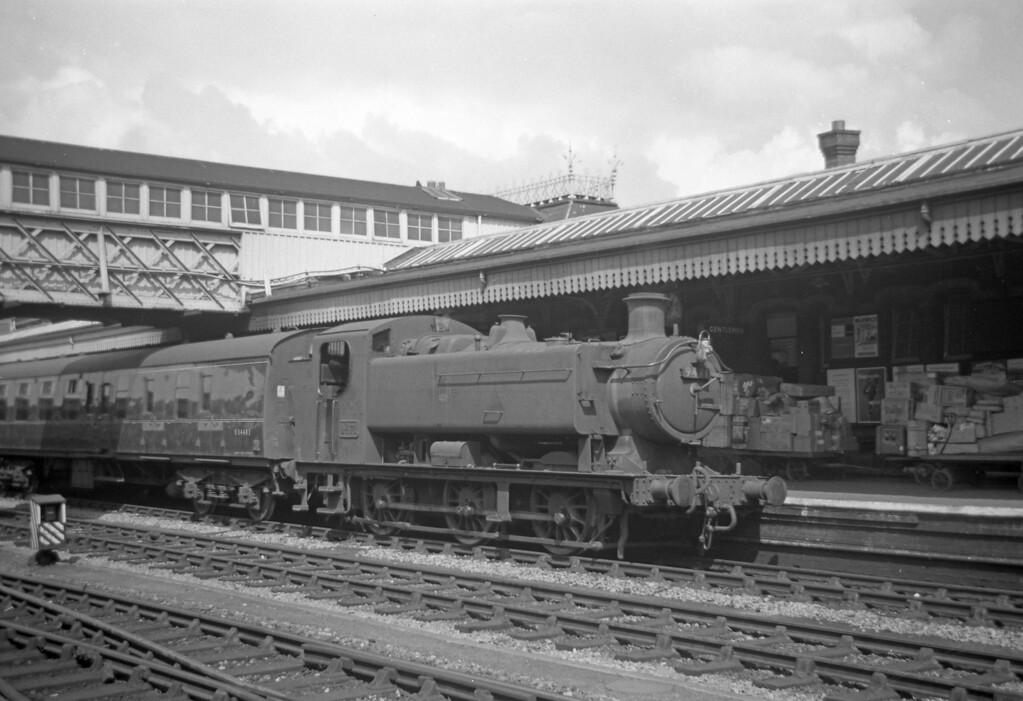 9471, up platform, Gloucester Central, August 18, 1963.