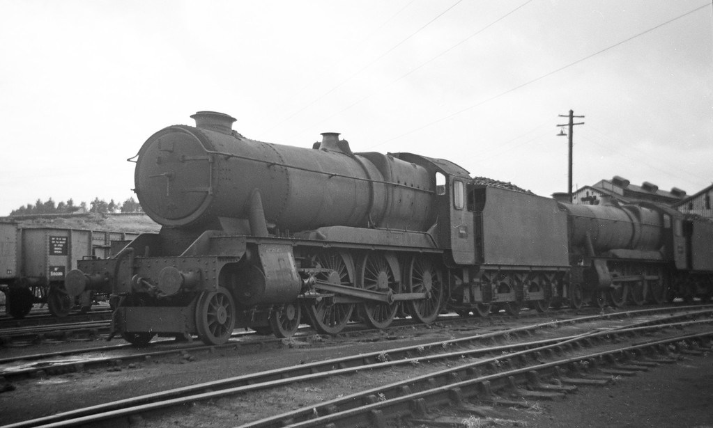 1004 County of Somerset, stored for scrapping at Plymouth Laira Shed, August 12, 1963. Nameplates removed.