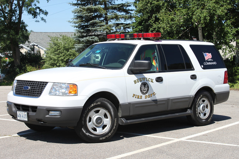 Command Car  2004 Ford Expedition