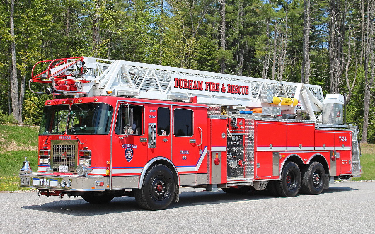 Truck 24 1994 Spartan / Smeal 1250 / 300 105' RM