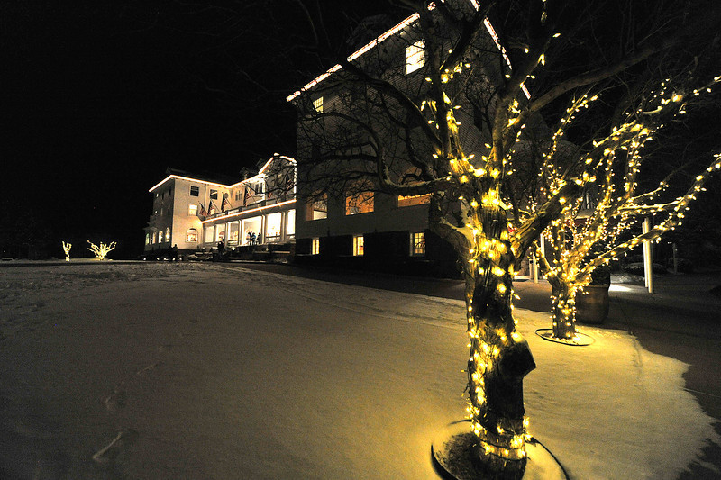 The beautiful Stanley Hotel hosted the Sunrise Rotary's Casino Night find raiser on Saturday. The expected big snow did not pan out, so plenty of people showed to try their luck.