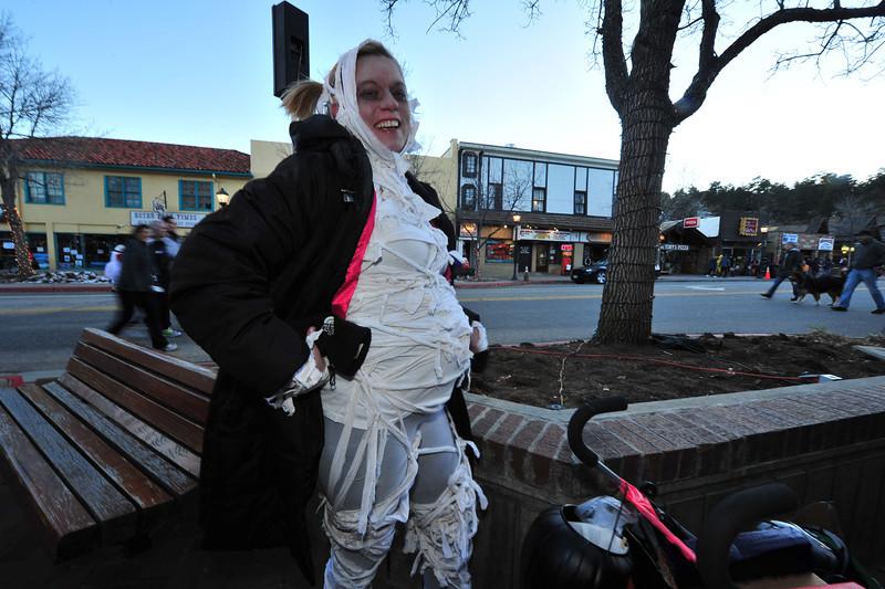 An expectant mummy enjoys the evening on Elkhorn Avenue on Thursday.