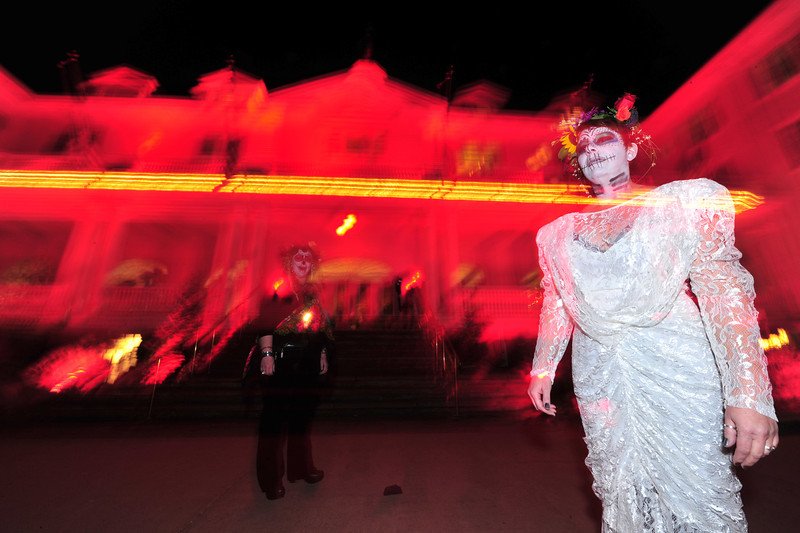 Dia del los Muertos is a few days away, but the sugar sculls were out in force at the Stanley Hotel on Saturday night. The hotel hosted their annual Shining Masquerade Ball, giving spooks and gouls the chance to party.