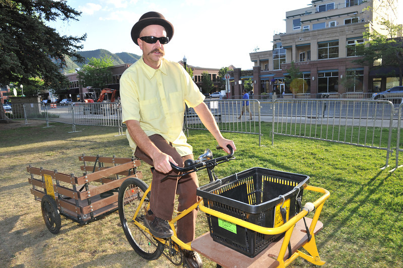 In Durango, the ride's third city, the venders were getting into the cycling act. The Chip Peddler sold his Durango-made potatoe chips at the cyclists' party in the southwestern town.