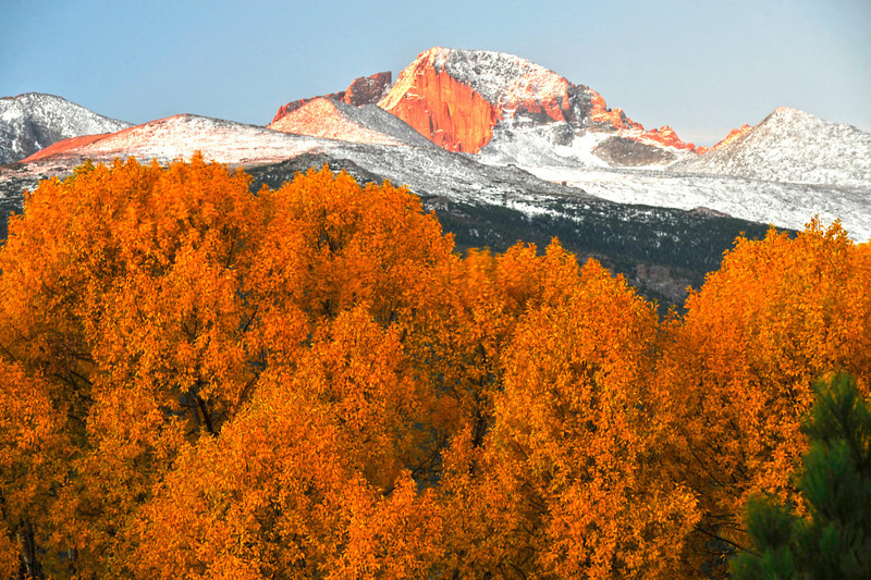 Autumn snow on Longs
