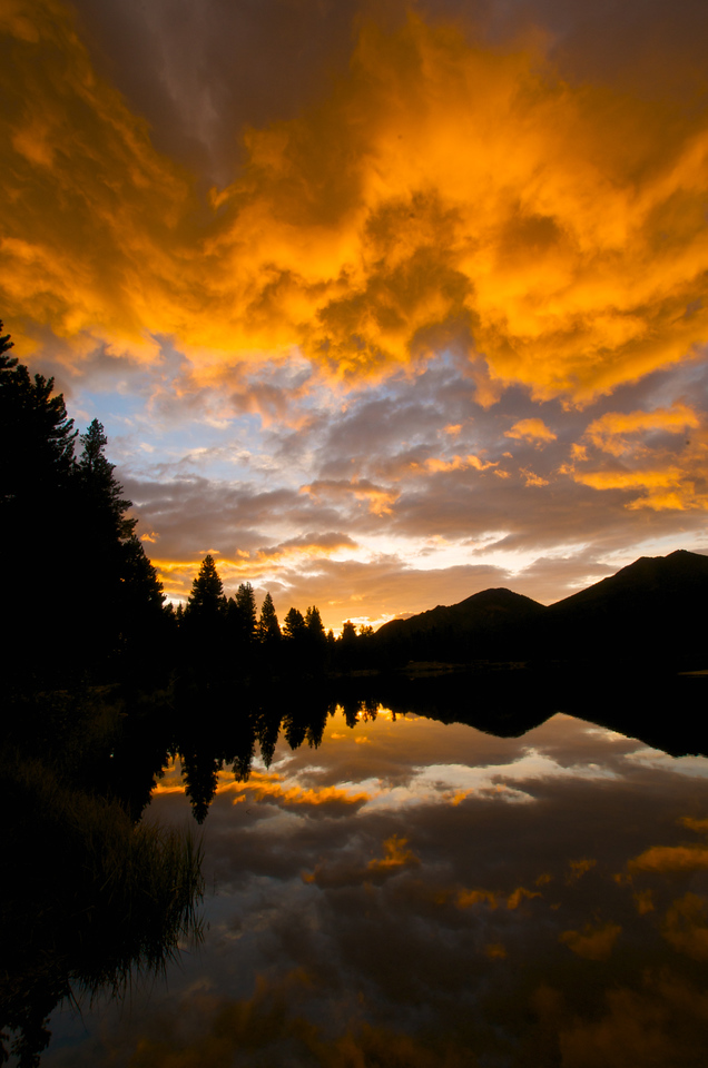Even short hikes, like the strole around Sprague Lake, can reap beautiful rewards.