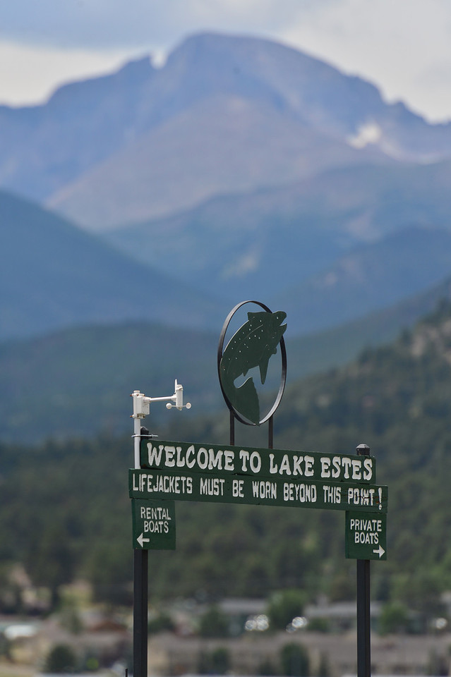 Th eunique sign welcomes visitor to the Lake Estes Marina.