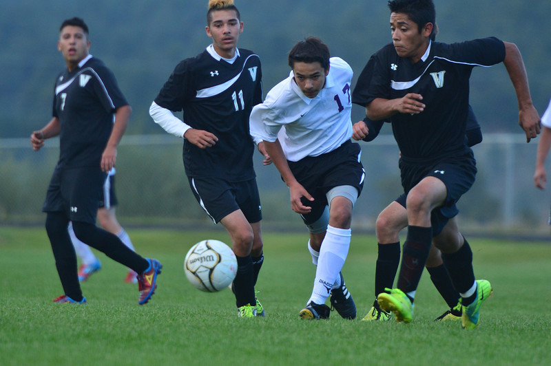 One of the younger Bobcats passes forward in the match against Valley on Thursday. The Bobcats lost to the Vikings 4-2.