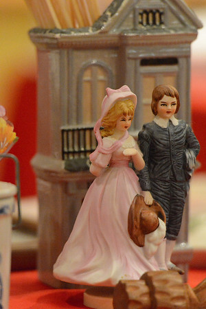 Holiday House collectable